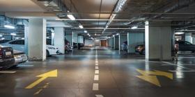 Liczba miejsc postojowych – przepisy, które obowiązują dewelopera. Czy każdy może liczyć na miejsce parkingowe?
