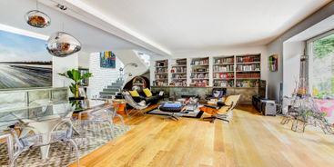 Mieszkanie dwupoziomowe — namiastka domu w bloku