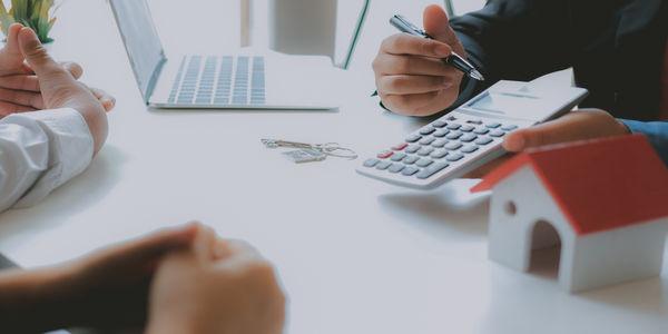 Karencja kredytu hipotecznego – co to jest i czy warto z niej skorzystać?