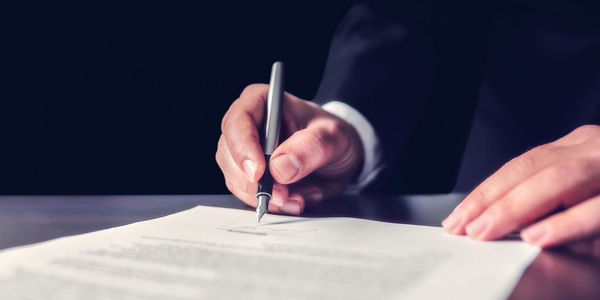 Umowa przedwstępna kupna mieszkania – na czym polega?