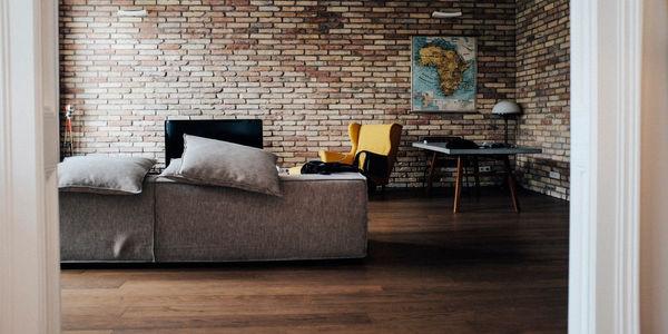 Jak ożywić ściany w mieszkaniu?