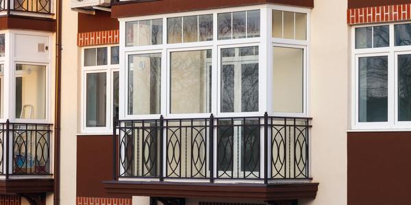 Loggia ‒ co to jest? Czym różni się od balkonu?