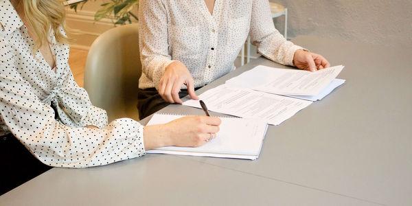 Protokół zdawczo-odbiorczy mieszkania – dlaczego powinien znaleźć się w umowie najmu?