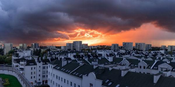 Najlepsze dzielnice Warszawy do zamieszkania