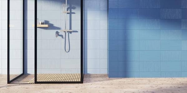 Łazienka z wanną i prysznicem – inspiracje