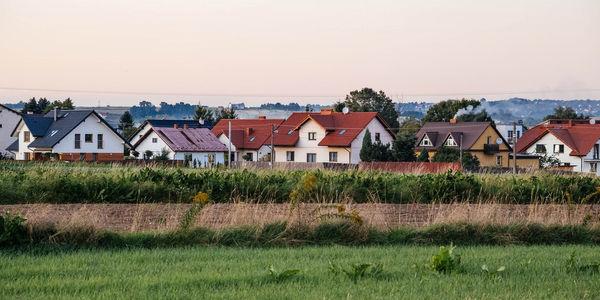 Zielonki i okolice – mieszkania. Dlaczego warto zamieszkać w tej lokalizacji? [Przewodnik]
